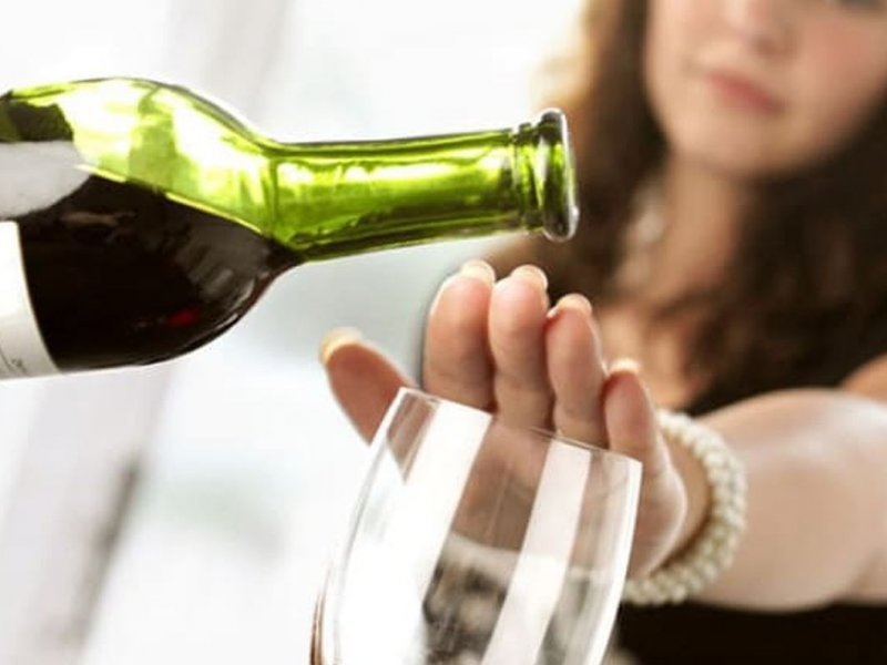 Avoiding alcohol will help to lose weight