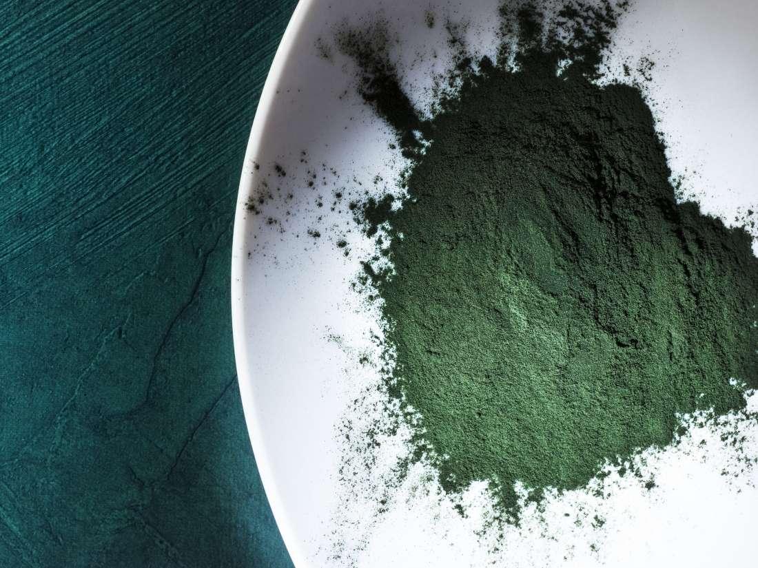 Spirulina: 11 health benefits and nutrition