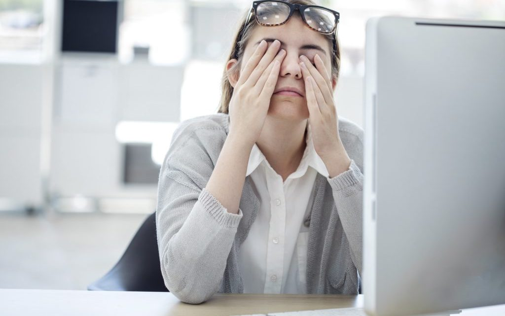 Tired in spite of enough sleep? These are the most common causes!