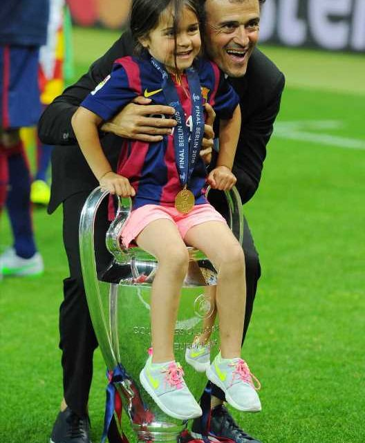 Soccer Star Luis Enrique's Daughter, 9, Dies of Bone Cancer: 'We'll Remember You Every Day of Our Lives'