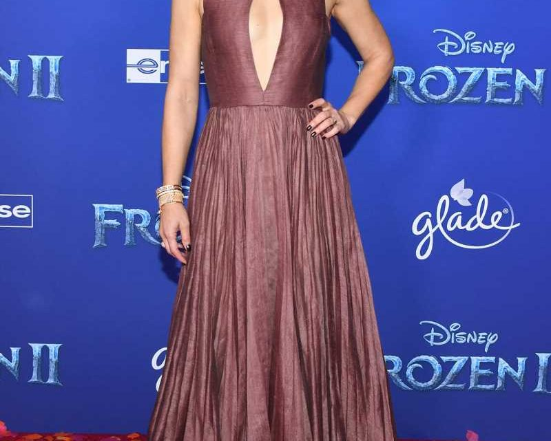 Kristen Bell Says She Uses Frozen Characters as a Way to Resolve Conflicts with Her Kids