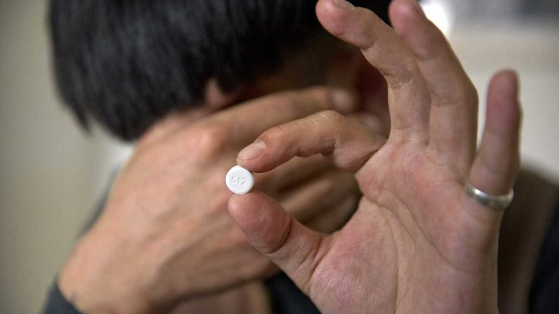 Want OxyContin in China? Pain pill addicts get drugs online