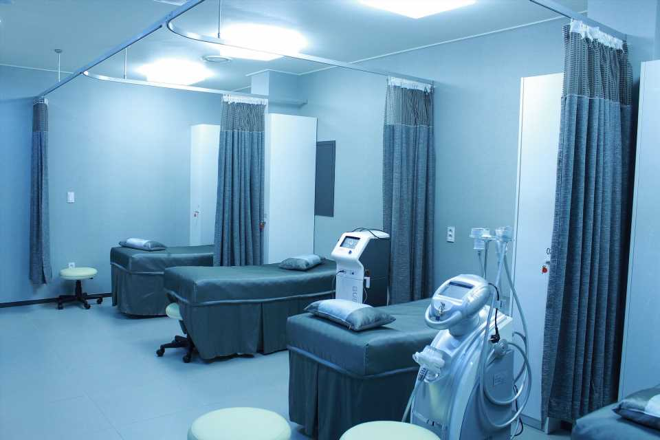 Hospitals are safer than you might think, new COVID-19 research finds